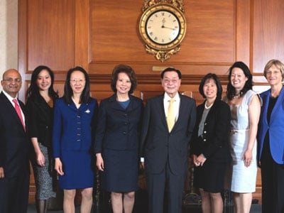 Chao Family with Dean Nohria and President Faust